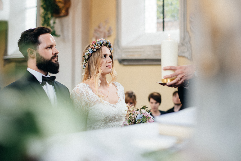 hochzeit-schloss-mittersill-heiraten-in-den-bergen-hochzeitsfotografin-mariagadringer-057.jpg