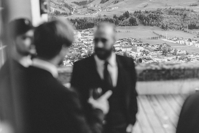 hochzeit-schloss-mittersill-heiraten-in-den-bergen-hochzeitsfotografin-mariagadringer-072.jpg