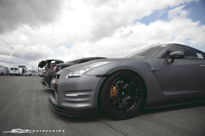 Both of these GT-R's have this sense of simplicity to them that makes them pop, yet, keep it's subtle appearance controlled.