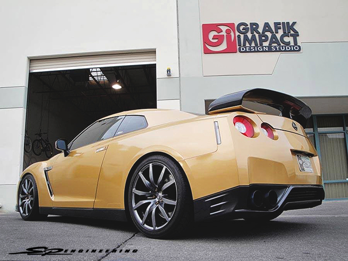 As you can see, the obvious change would be the awesome gold wrap.