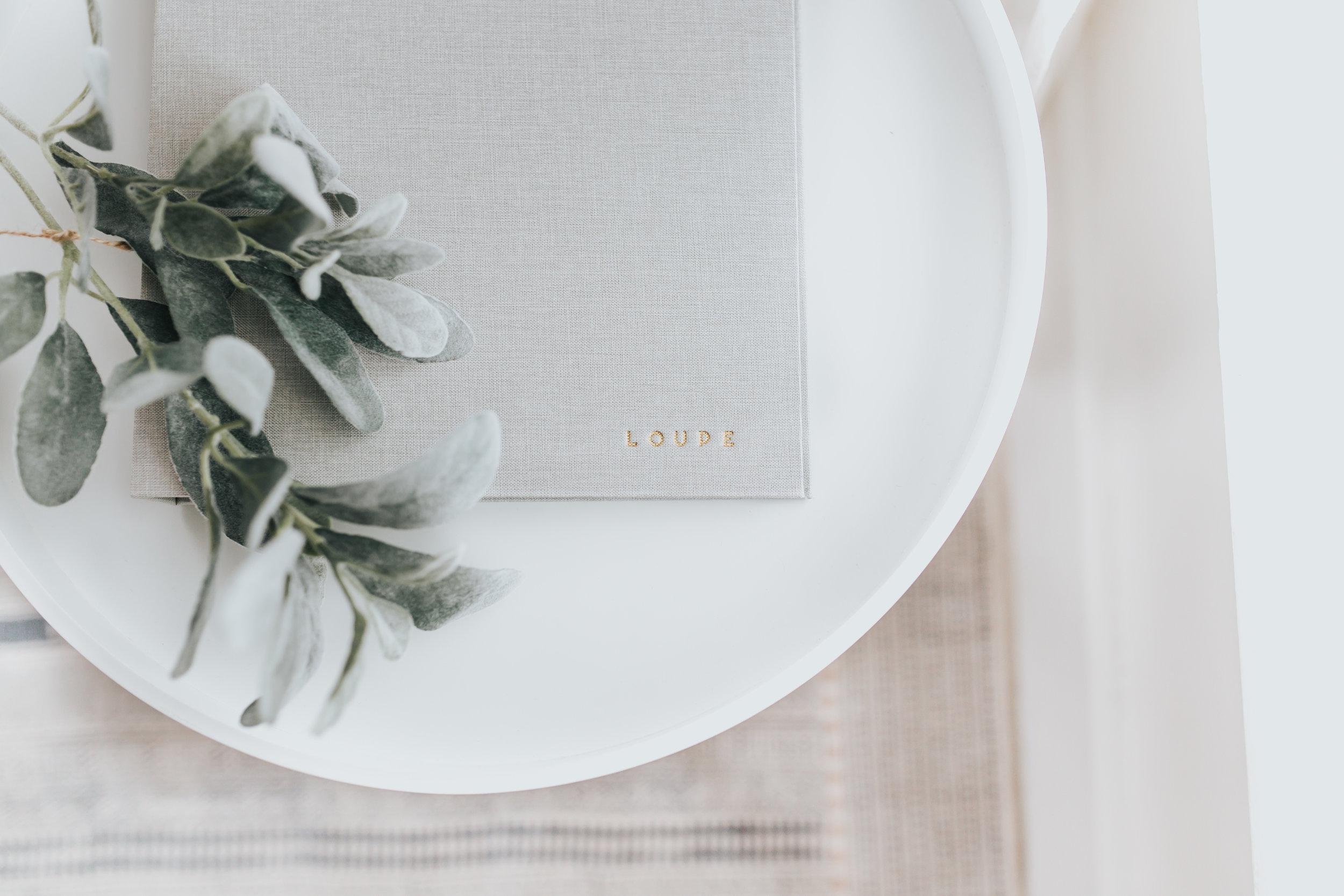 LOUPE-TABLE.jpg