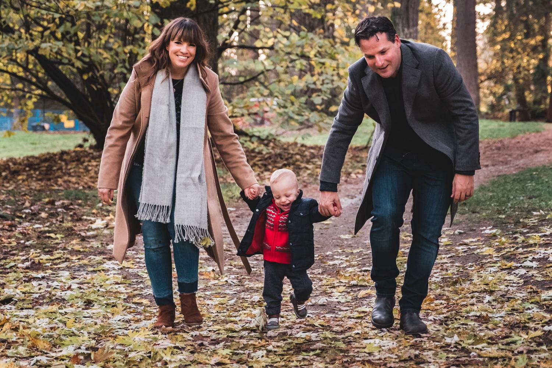 family-walking-portraits-vancouver.jpg