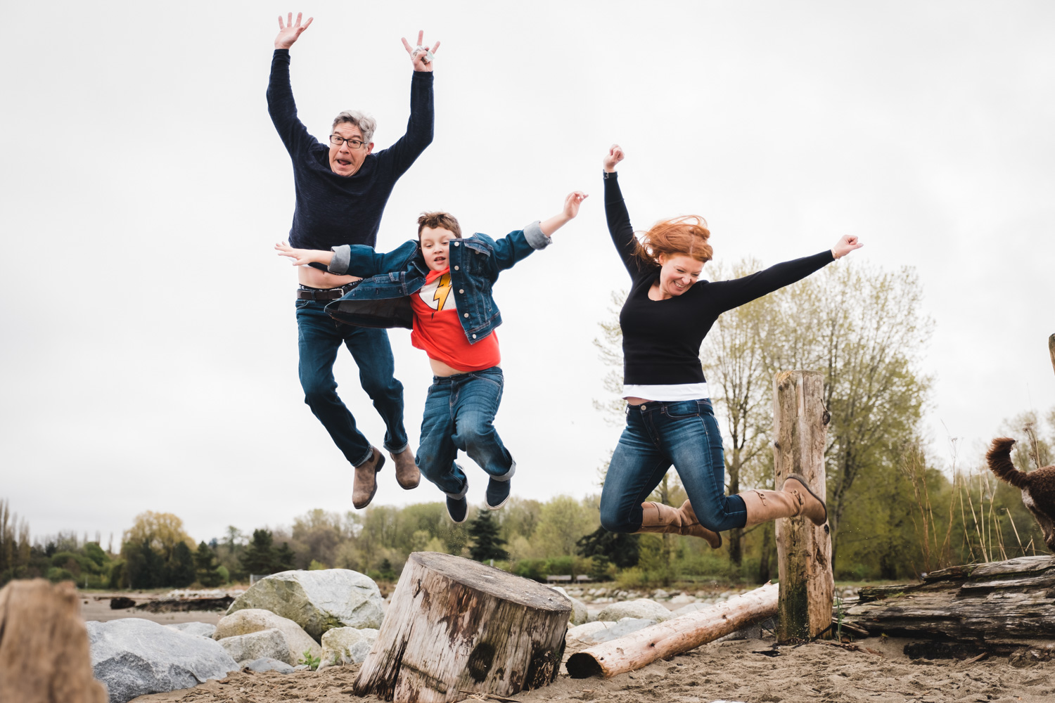 Candid-Family-Jumping.jpg