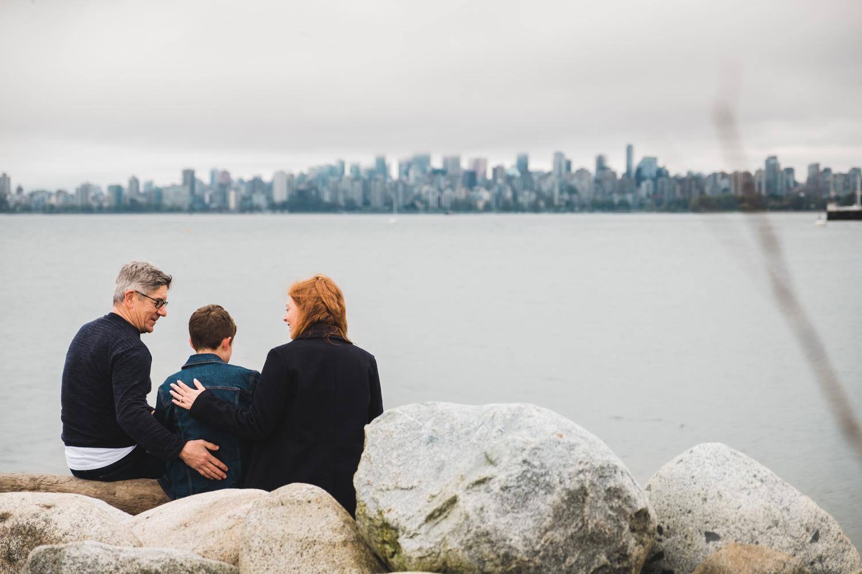 Family-Photographer-Vancouver-Beach-Photo.jpg