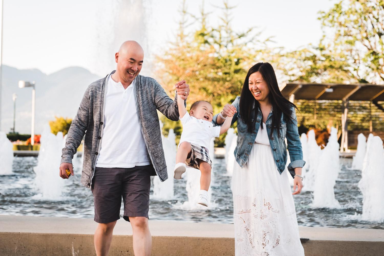 Outdoor-Family-Photos-Vancouver.jpg