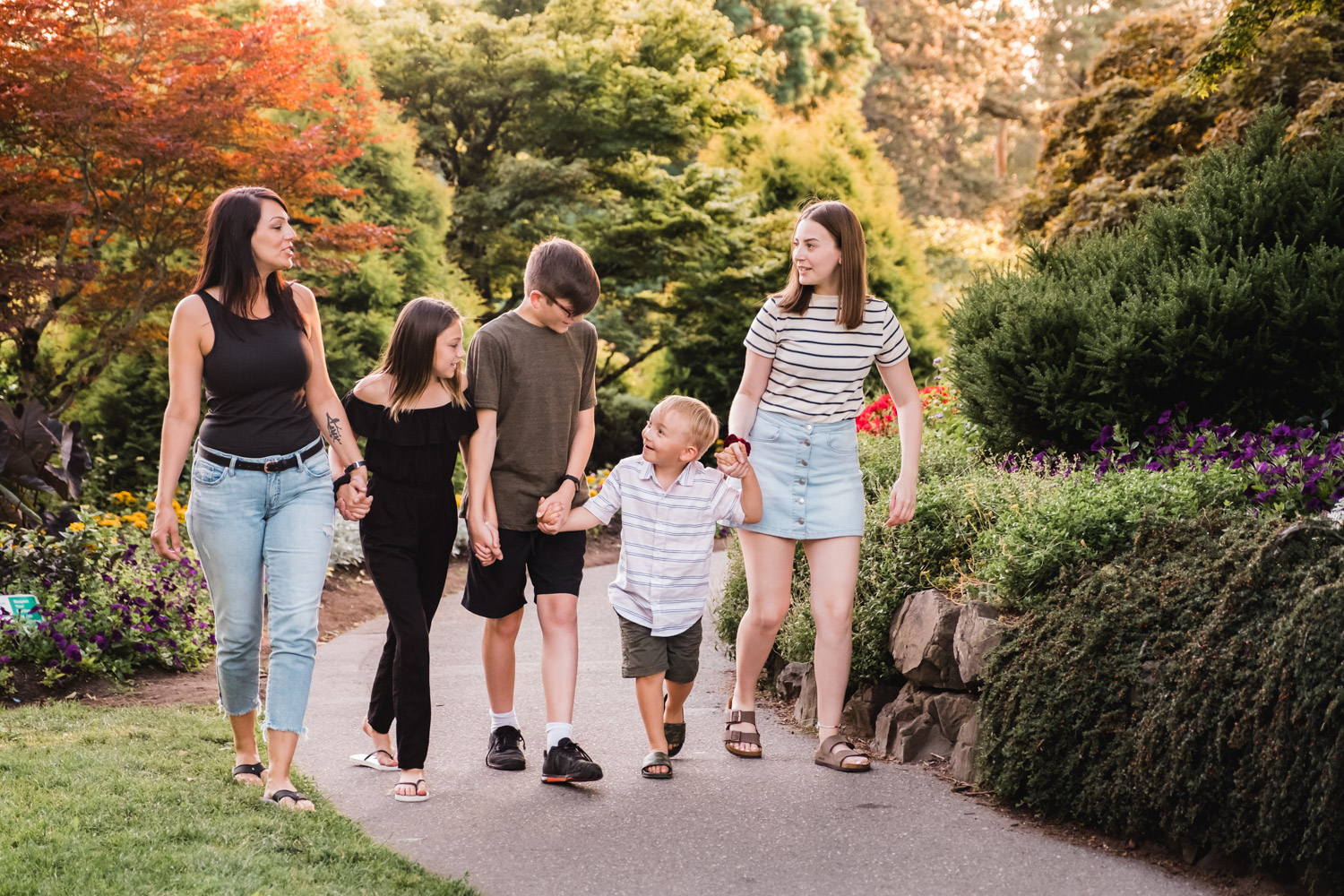 Outdoor-Family-Portraits-Vancouver