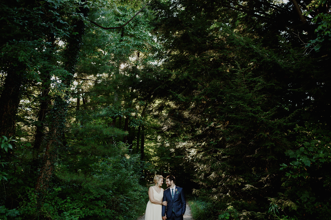 amandavanvels_backyardwedding_0301.jpg
