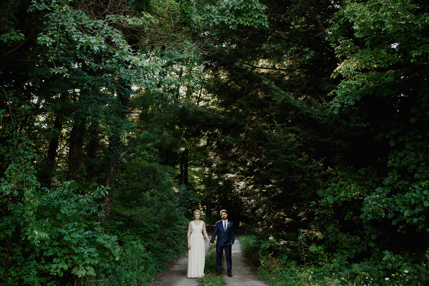 amandavanvels_backyardwedding_0321.jpg