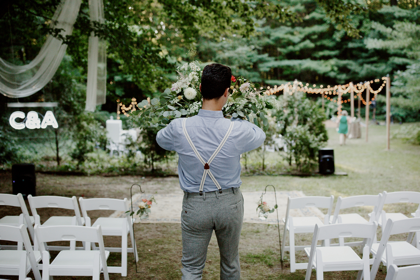 amandavanvels_backyardwedding_0421.jpg