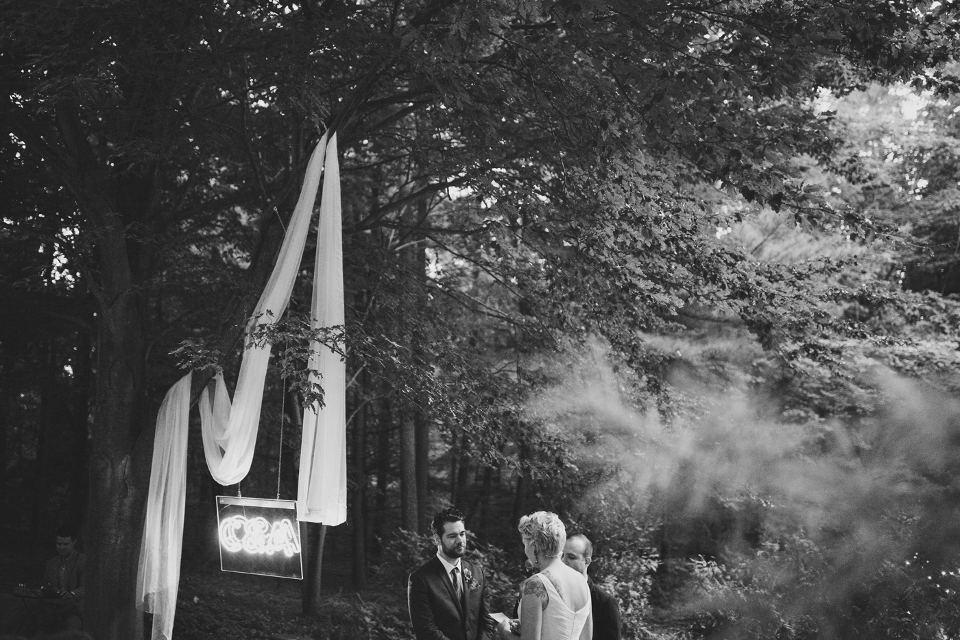 amandavanvels_backyardwedding_0691.jpg