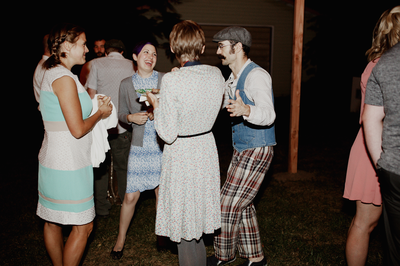 amandavanvels_backyardwedding_0841.jpg