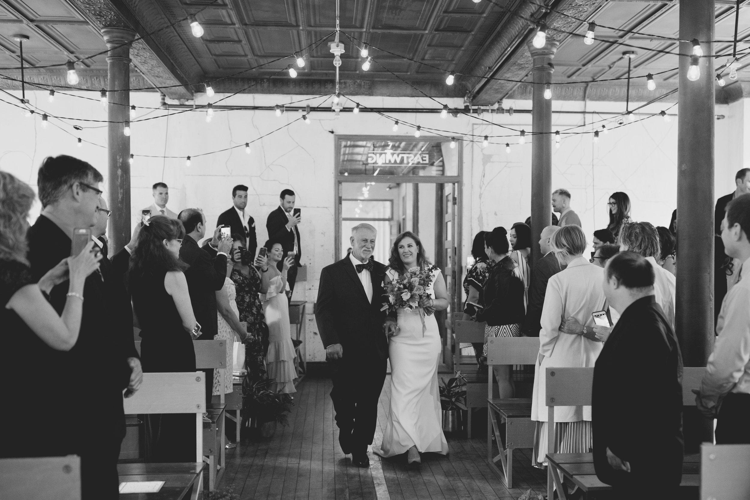amandavanvels_headlands_center_wedding_san_francisco_090.jpg