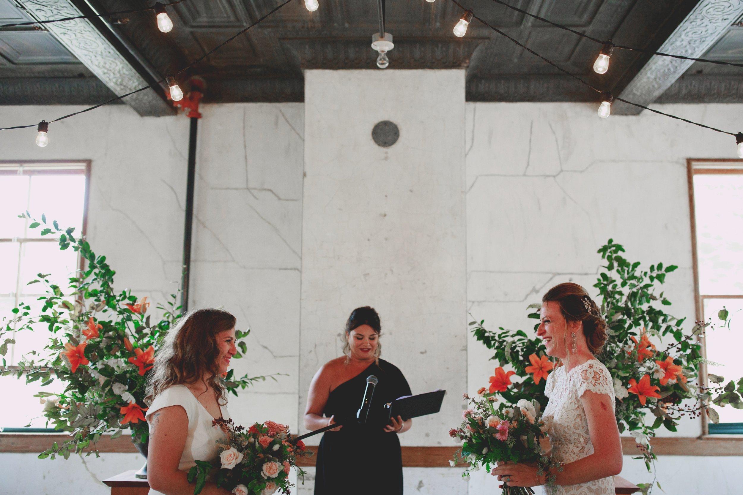 amandavanvels_headlands_center_wedding_san_francisco_104.jpg