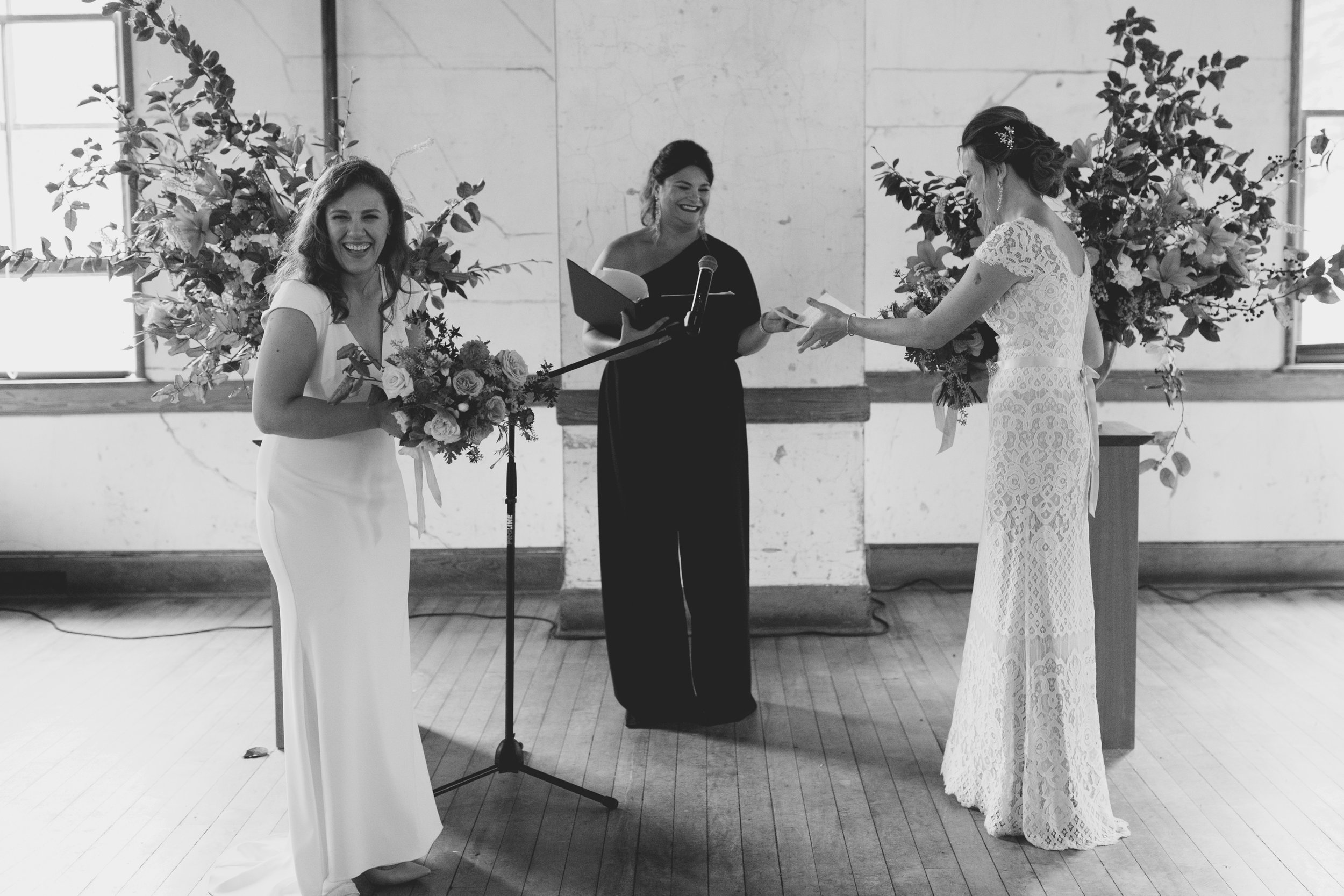amandavanvels_headlands_center_wedding_san_francisco_111.jpg