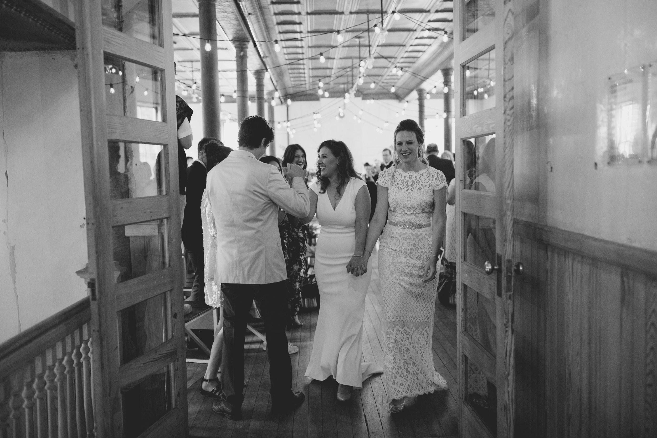 amandavanvels_headlands_center_wedding_san_francisco_121.jpg