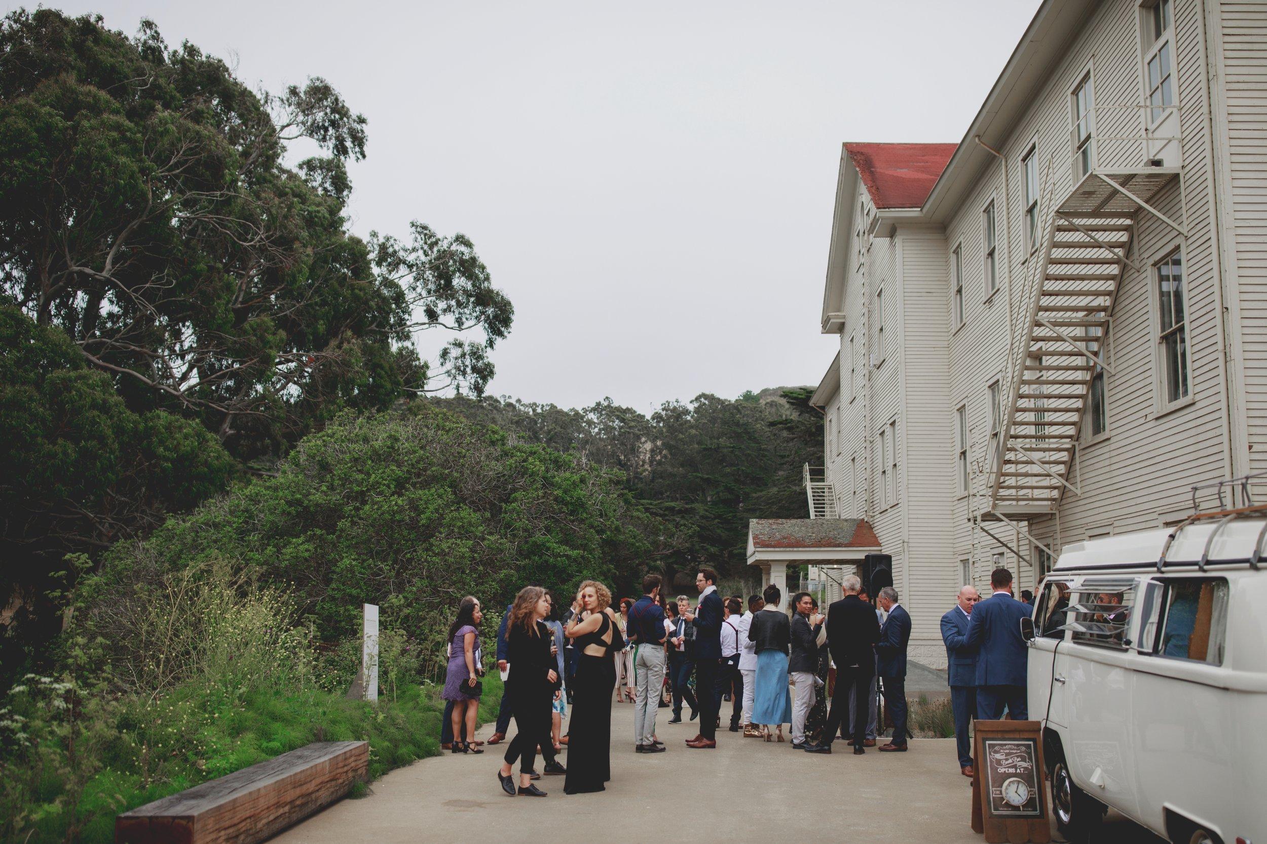 amandavanvels_headlands_center_wedding_san_francisco_137.jpg