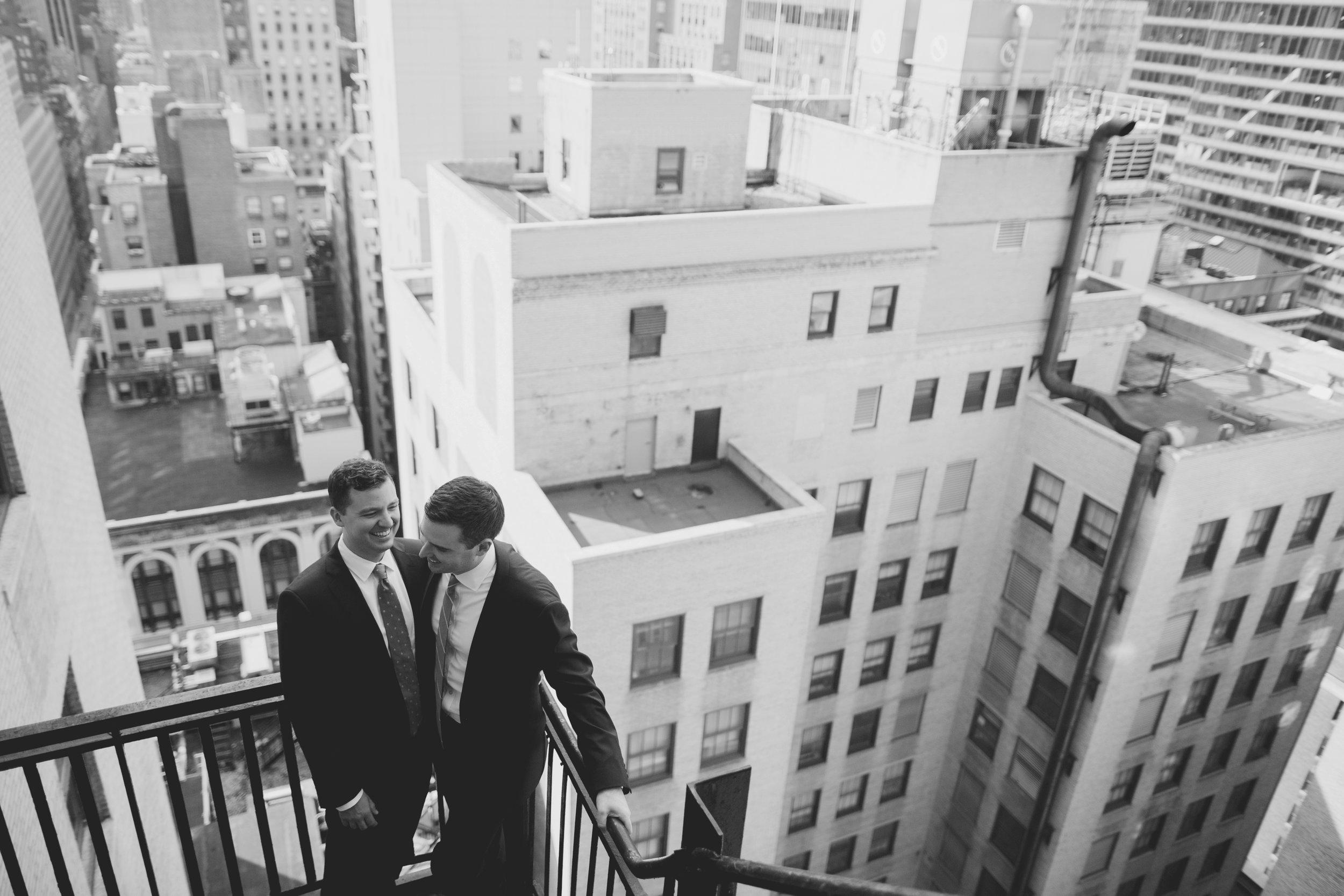 amanda_vanvels_new_york_lgbtq_gay_wedding_026.jpg