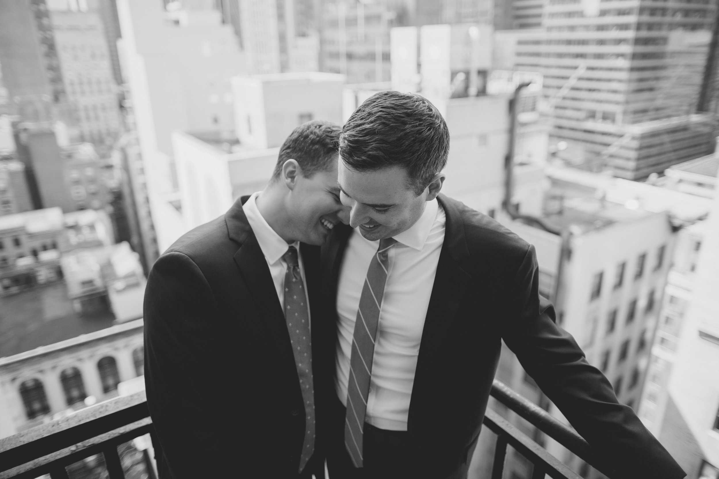 amanda_vanvels_new_york_lgbtq_gay_wedding_029.jpg