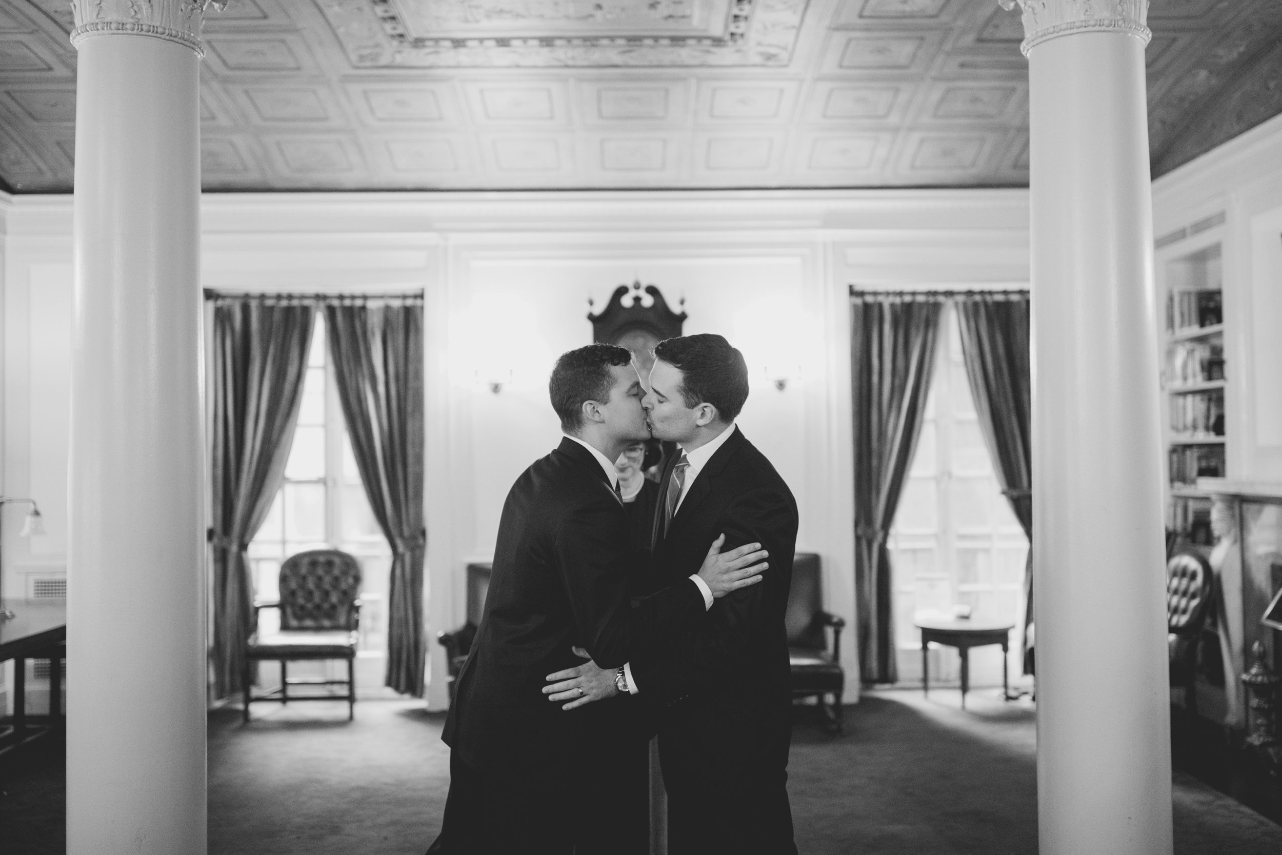amanda_vanvels_new_york_lgbtq_gay_wedding_065.jpg