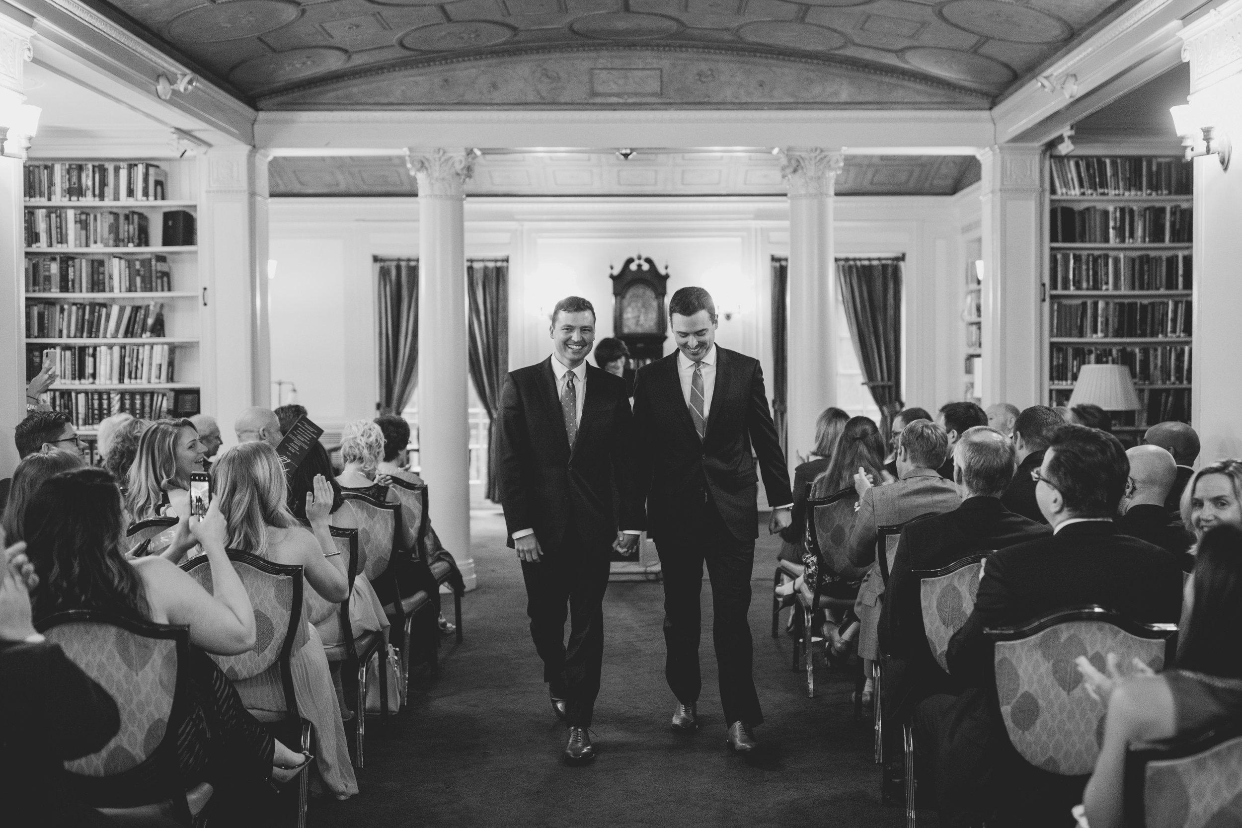 amanda_vanvels_new_york_lgbtq_gay_wedding_069.jpg