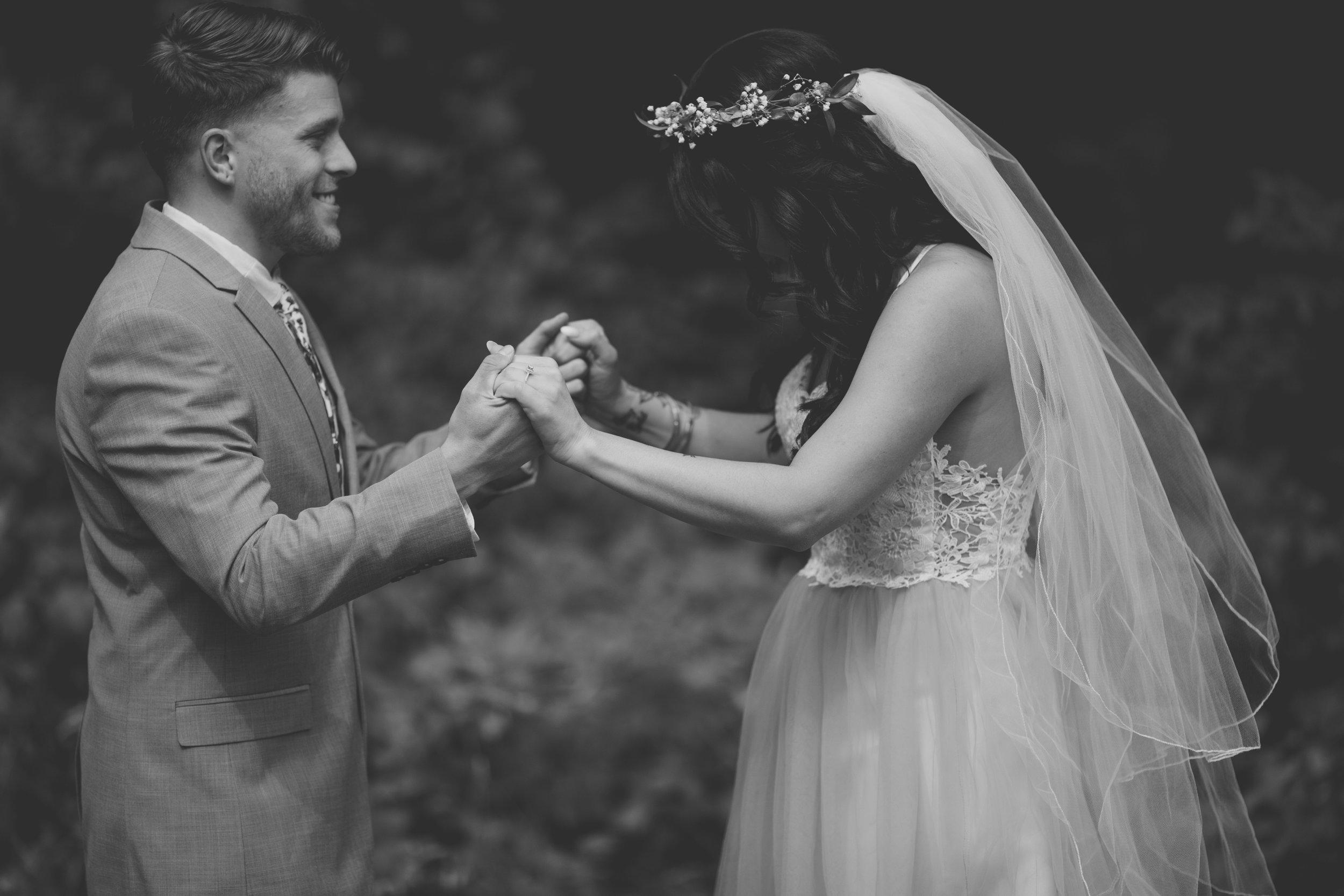 amanda_vanvels_michigan_camp_wedding_023.jpg