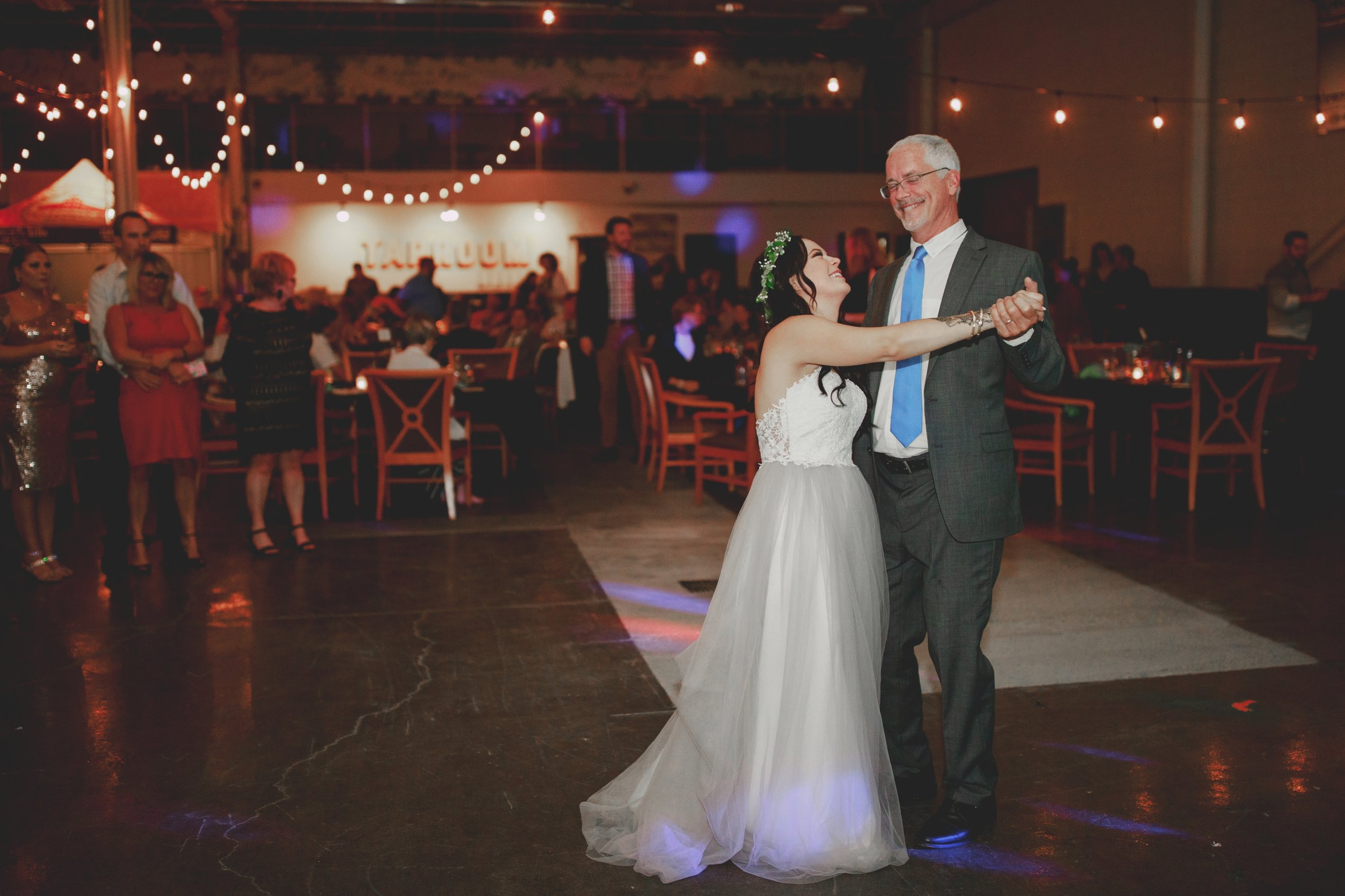 amanda_vanvels_michigan_camp_wedding_172.jpg