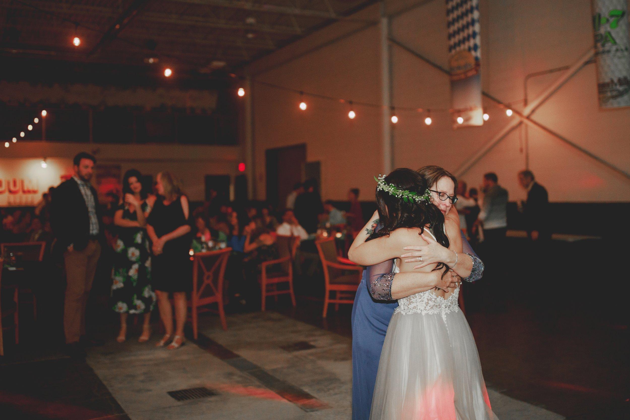amanda_vanvels_michigan_camp_wedding_177.jpg