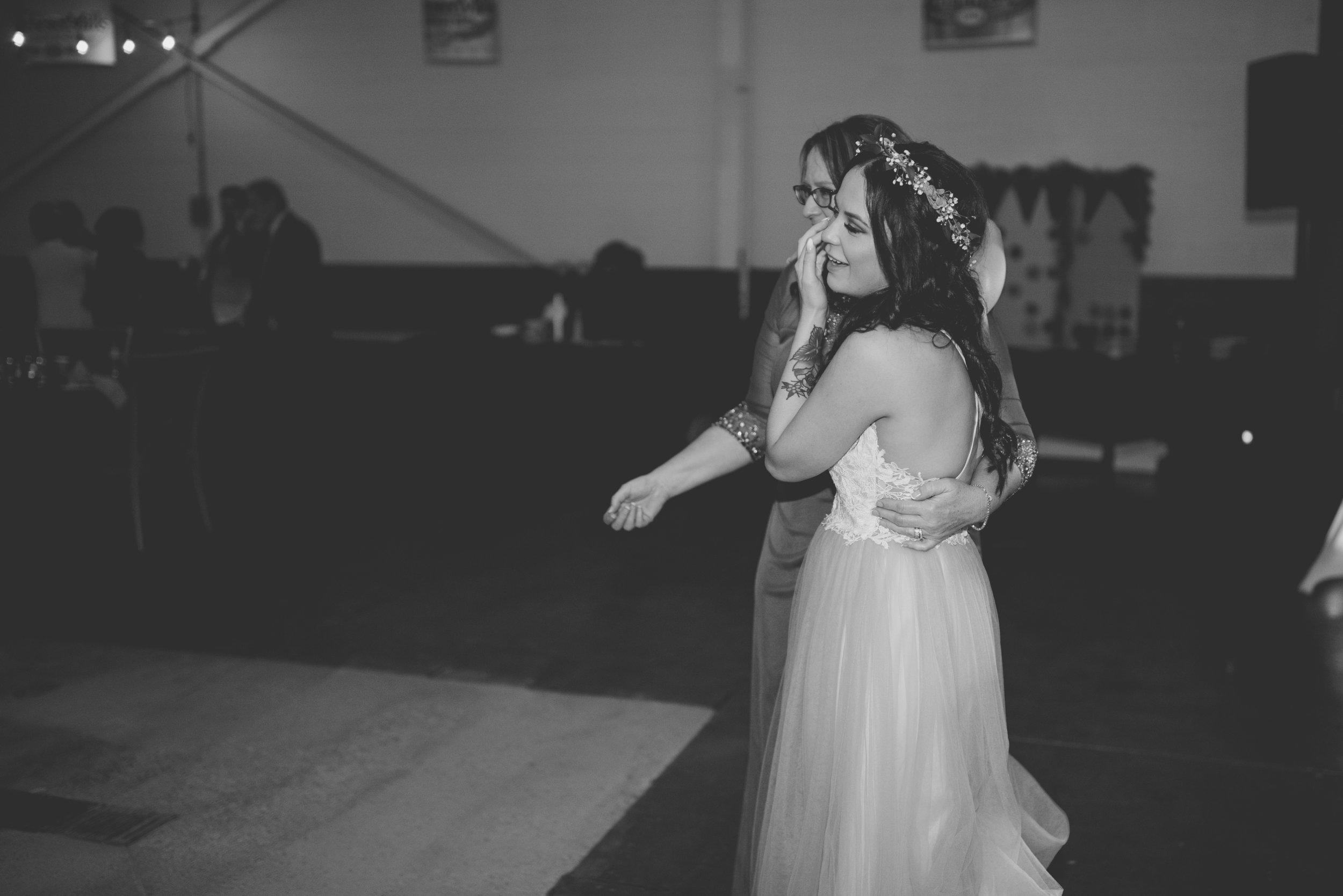 amanda_vanvels_michigan_camp_wedding_178.jpg