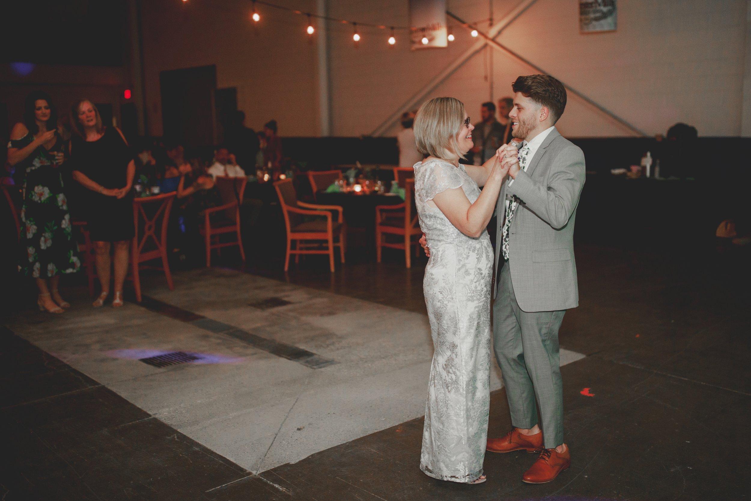 amanda_vanvels_michigan_camp_wedding_179.jpg