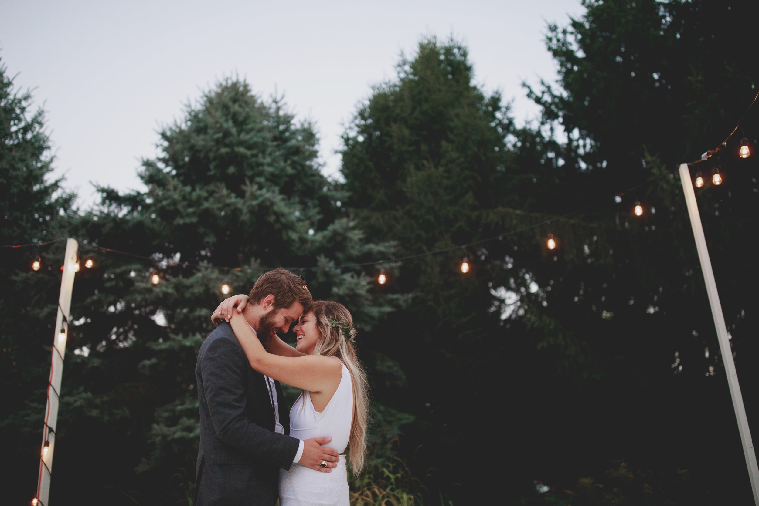 amanda_vanvels_grand_rapids_farm_barn_wedding_128.jpg