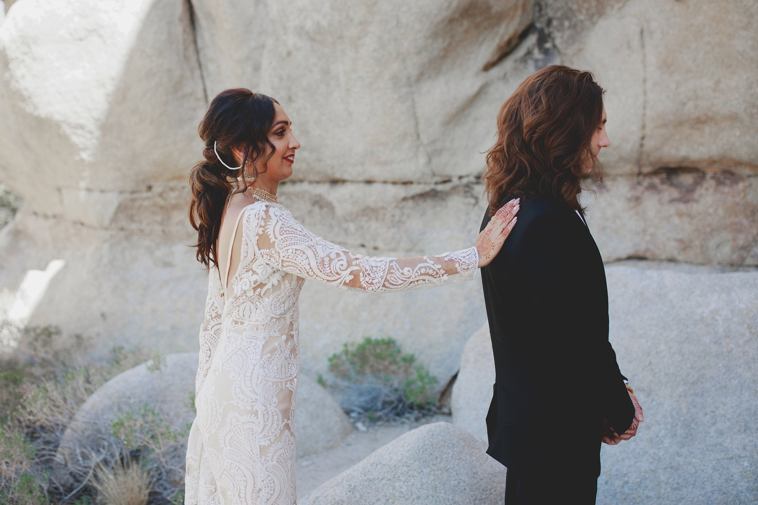 amanda_vanvels_joshua_tree_inn_wedding_030.jpg