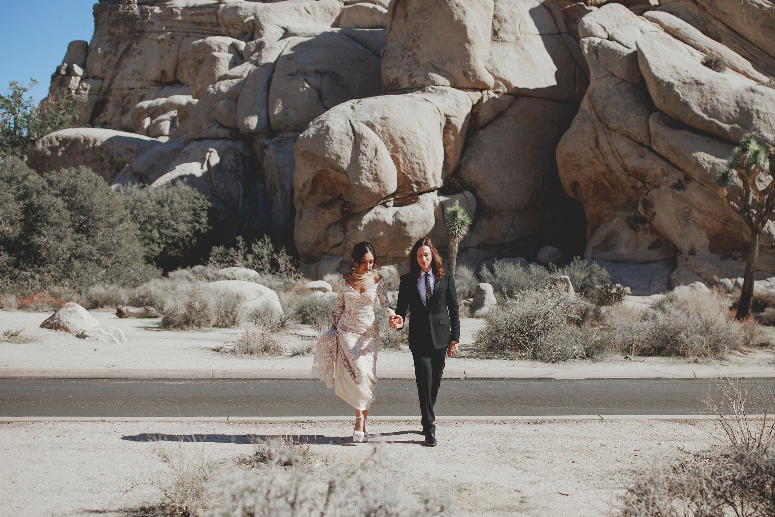 amanda_vanvels_joshua_tree_inn_wedding_042.jpg