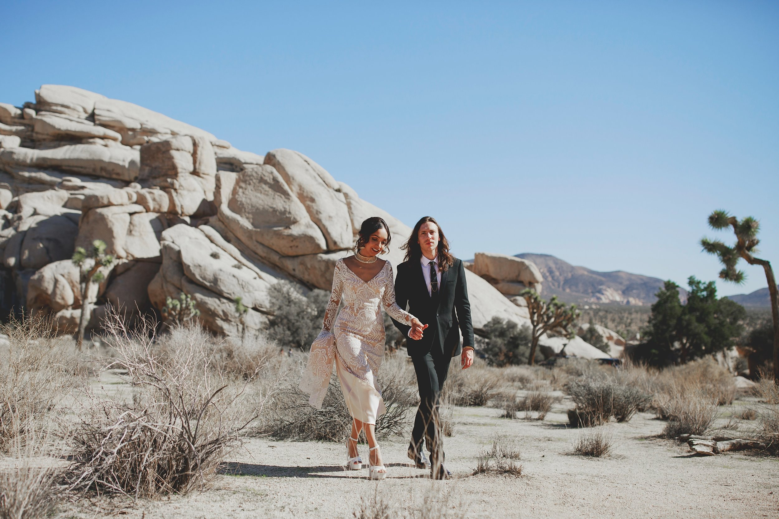 amanda_vanvels_joshua_tree_inn_wedding_043.jpg
