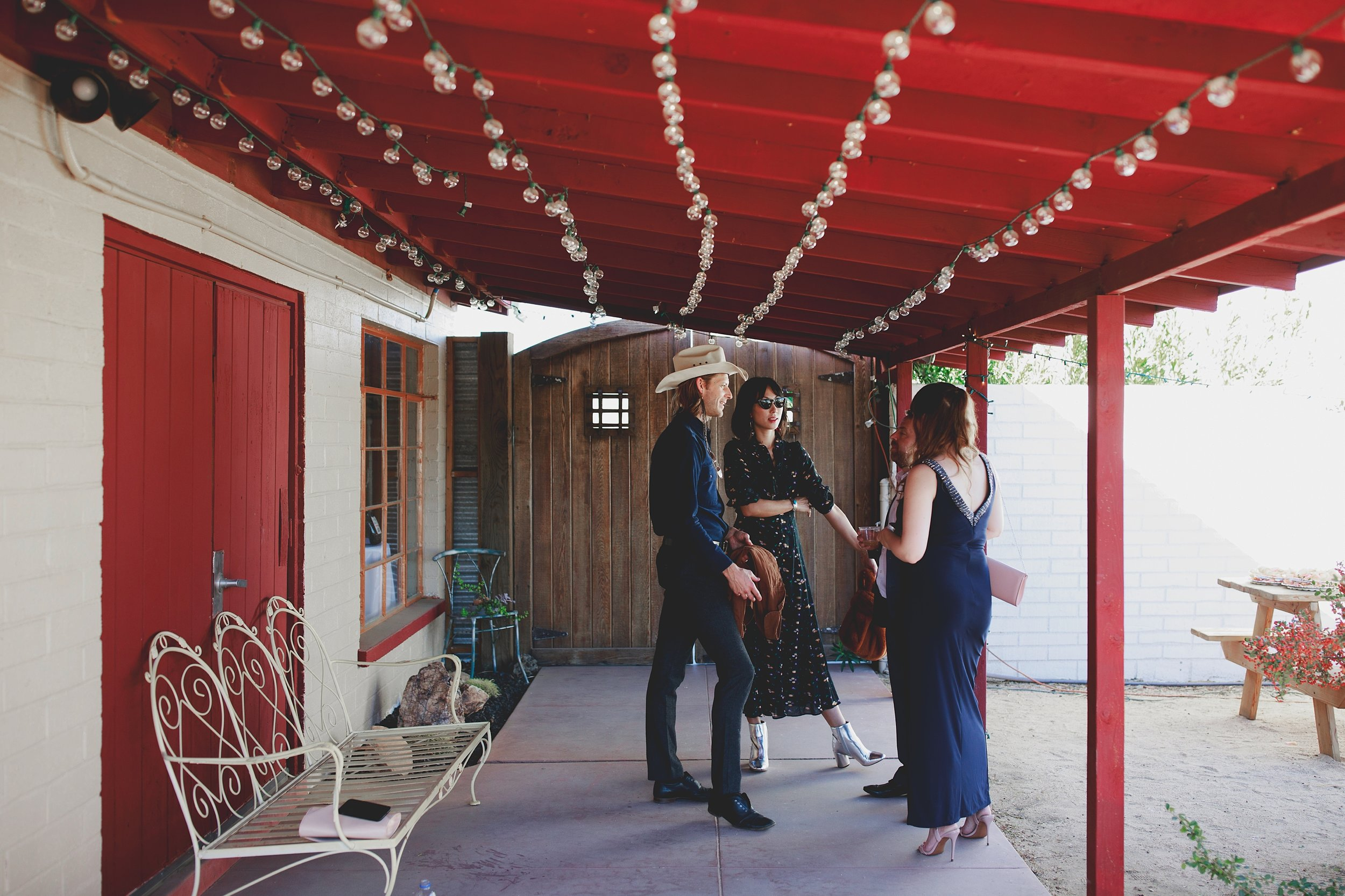 amanda_vanvels_joshua_tree_inn_wedding_059.jpg