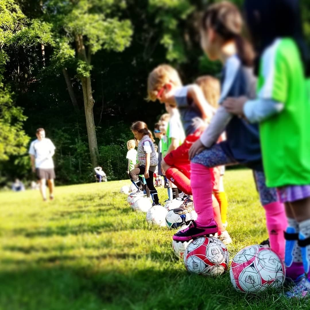 Boys & Girls ages 5 - 7 will learn how to use the soccer skills taught at practice in their games every weekend!
