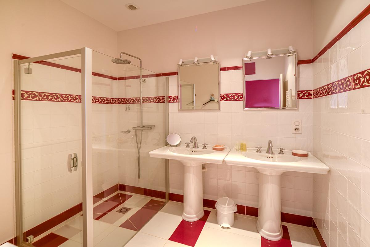 bathroom1_0162.jpg