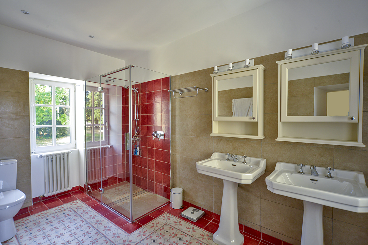 bathroom3_0220.jpg