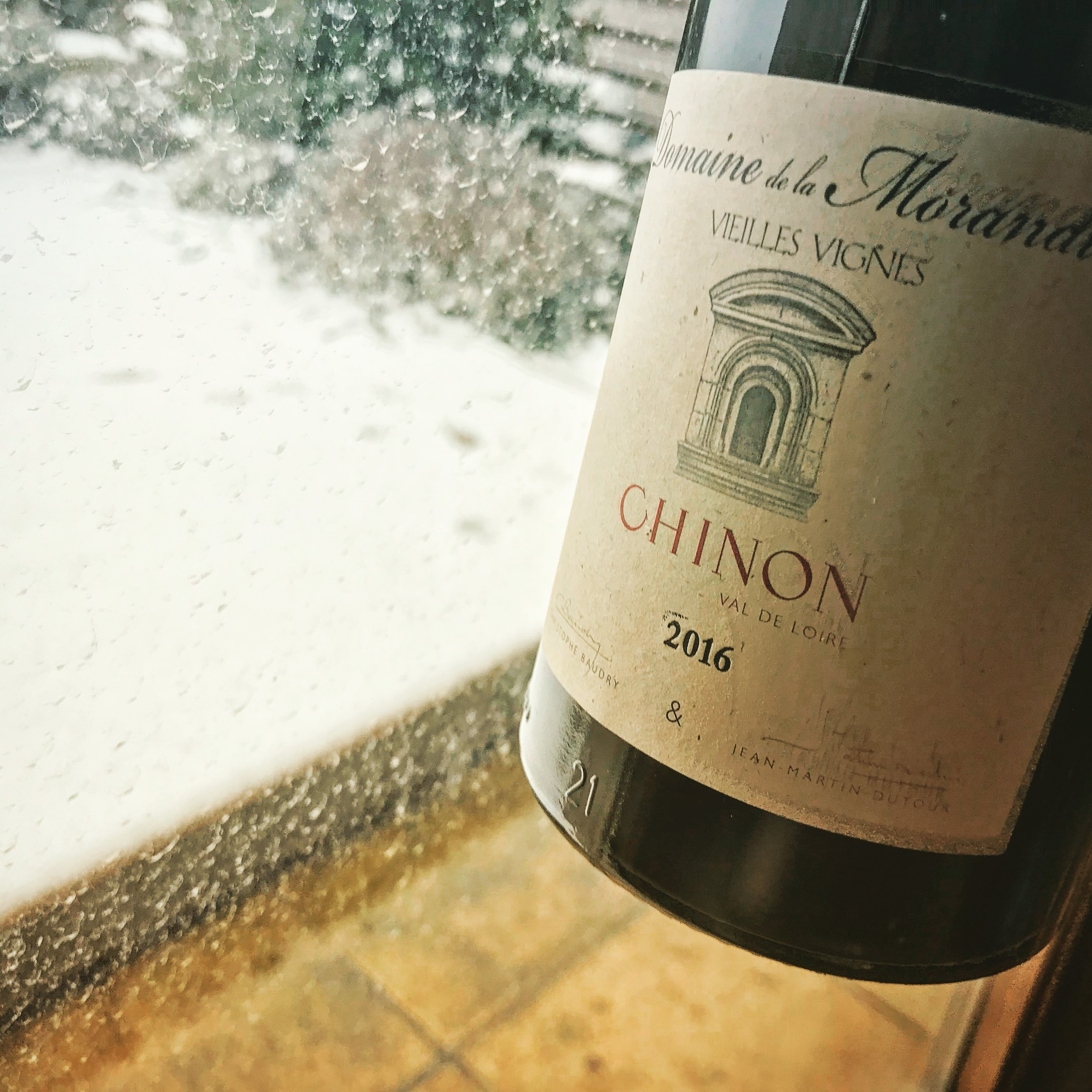 Domaine de la Morandiere  Chinon 2016  (About 7€ Proxi)  Another fairly average wine: quite fruity, lighter than the organic wine and not nearly as pleasant. A little bitter with a slight aftertaste.  The organic wine was by far the nicest, really in a different league, which was a surprise considering it was the most reasonable. The Barsanne is going on my list of 'keepers'!  So to finish: my words of the week 'Moxie' meaning slang for courage, nerve and determination; and just because it's relevant to my life today - and very cute 'flakelet' meaning a flake of snow!