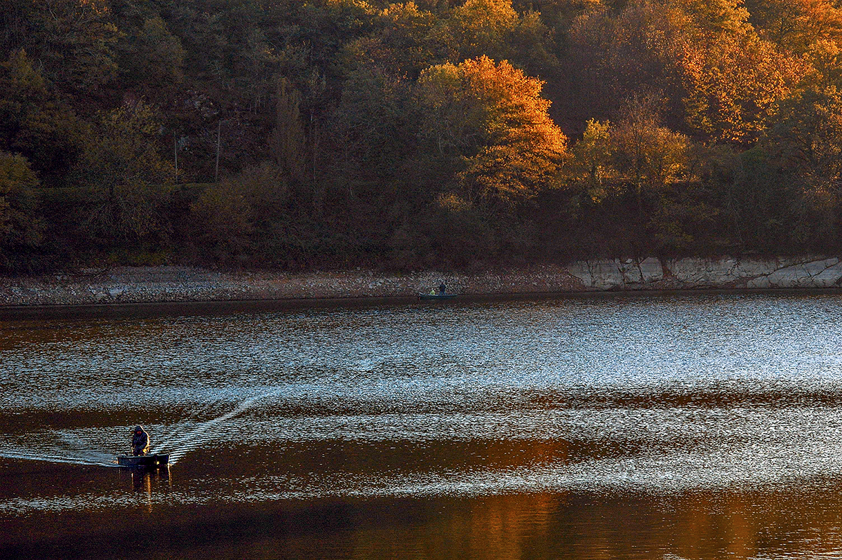 fisherman_autumn_mervent_1.jpg