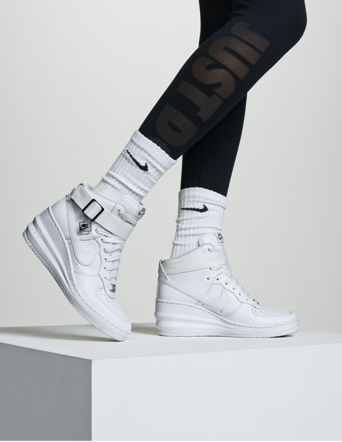 Nike Women's Style Guide Holiday  |  Art Direction : Lisa Hopey |  Photo:  Mel Bles