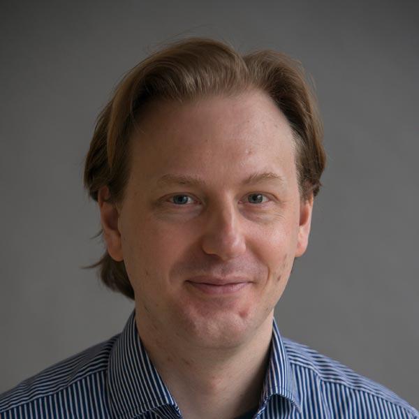 Dr Iain Macaulay