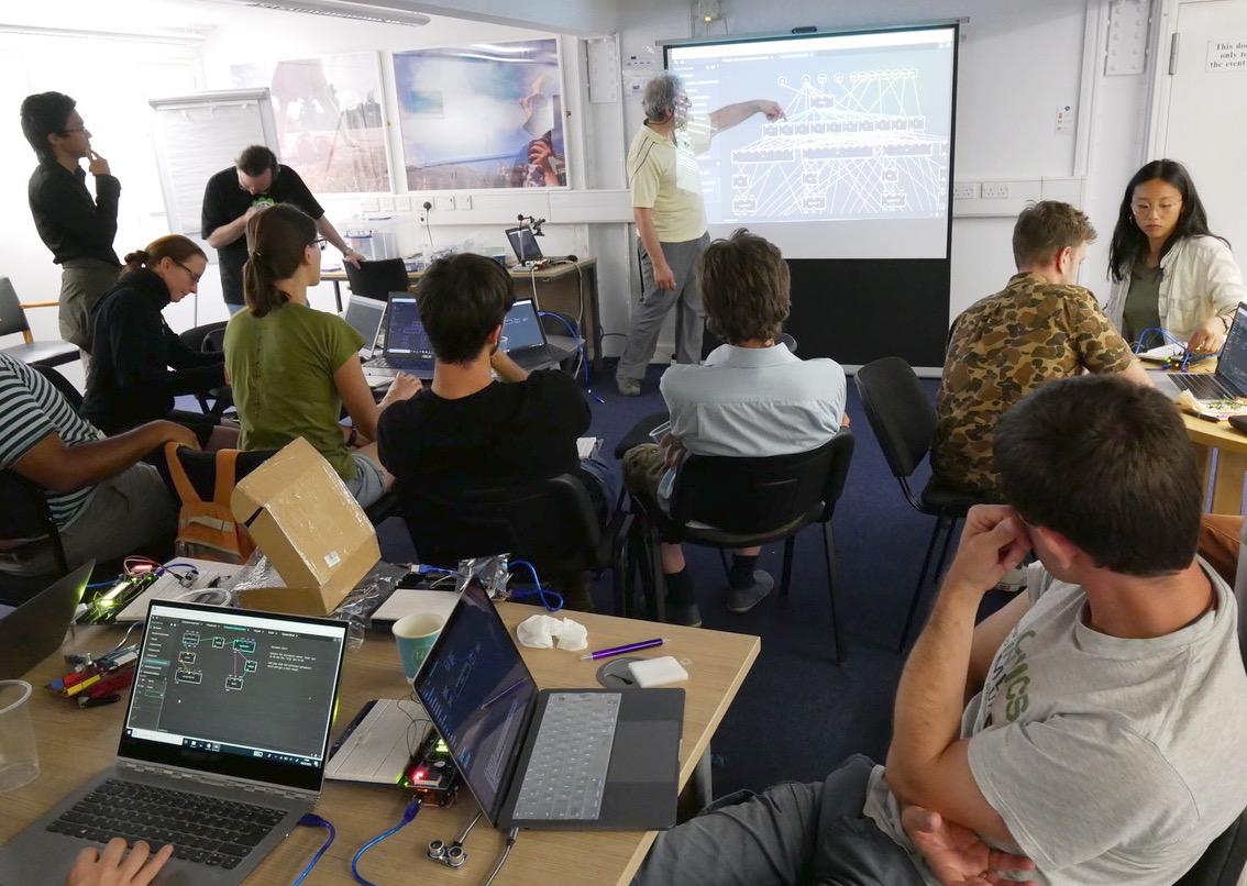 Biomaker organises regular training sessions for non-programmers.