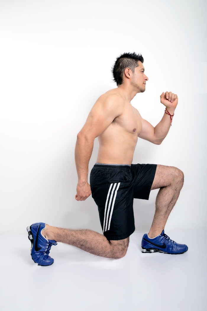 Single leg exercises are often seen as time-consuming and tedious when compared to bi-lateral movements like the Squat. In practice this is often not the case, and they can yield excellent results in terms of hypertrophy and strength without overloading the lower back.