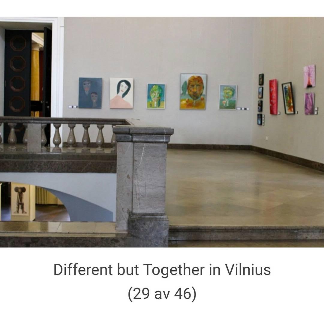 Mina två tavlor, längst till vänster i bild.  Bild: Artnetco