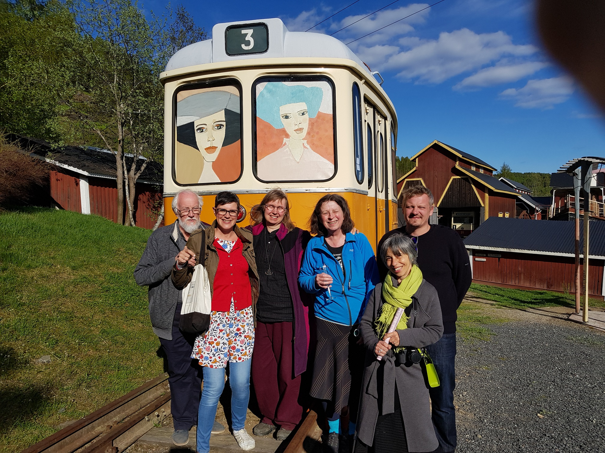 Kenneth Englom (Artnetco), Karin Skoglund (Mannaminne), Barbro Åberg (Mannaminne/Anders Åbergs fru/änka), Adelina Allegretti (Italien, Art Curator/Journalist och gallerist från Umbrien) och Kiko Englund