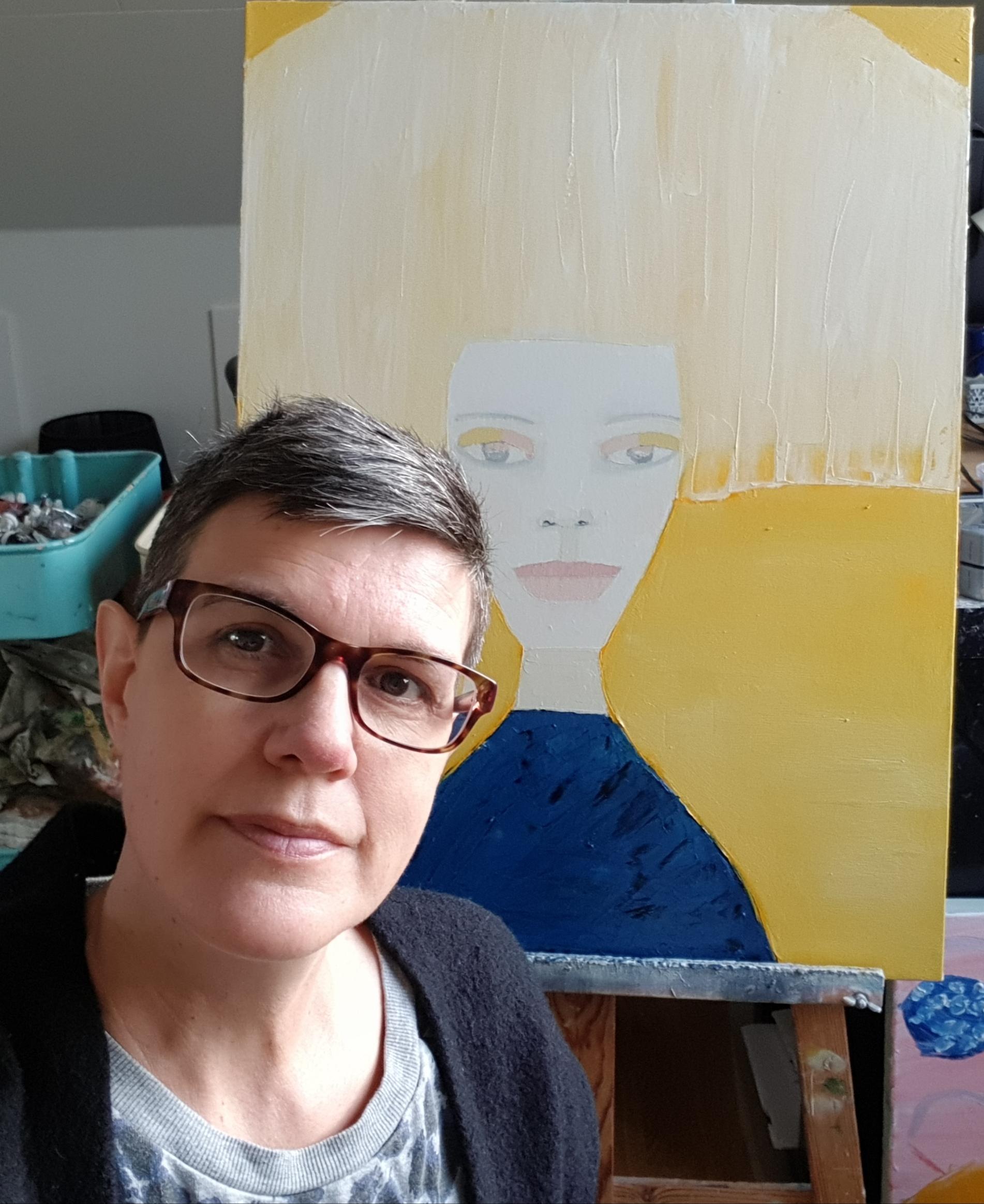 Konstnären själv framför senaste tavlan, Defined meaning, 60 x 80 cm i olja.