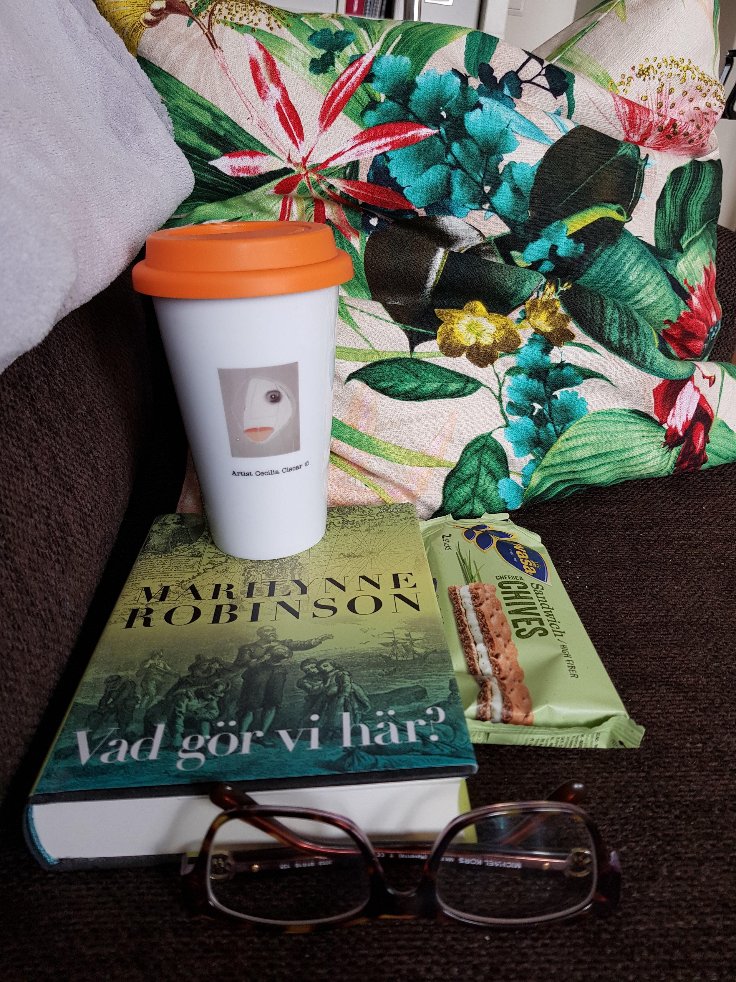 Böcker, att läsa och gå in i andra världar, lära sig, vidga sina vyer genom böcker…det är underbart!