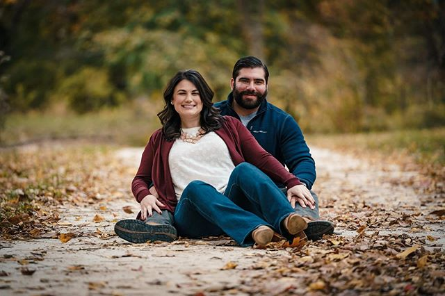 Fall family session, engagement photos, senior photos OH MY! As #fall approaches we are loving all the bookings because it means we get to spend time with you guys and you guys rock! 🤘🏼 Keep em coming! #nwaphotographer #familyphotography #engagementphotos #seniorpictures #couplegoals #latergram 📷 . . . #vsco #lookslikefilm #makeportraits #fallcolors #portraitpage #visualsoflife #photographyislife #Bentonville #featurepalette #brunettecouple #photographysouls #keepitwild #portraitfeed #portraits #agameoftones #couplegoals #Arkansas #lifestyle #familygoals #spring #alphacollective #becausebentonville
