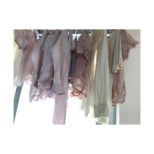 Natural dyeing 30+ outfits at home from orange peel, avocado akin, leftover coffee grind and tea... @tomorrow_by_daydreamnation  #naturaldye