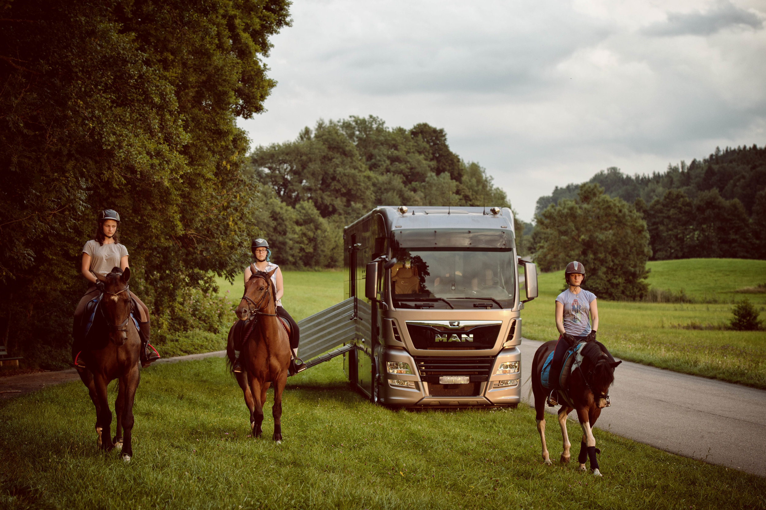 Aniko Towers Photo Horse Truck MAN Limited Edition-85.jpg
